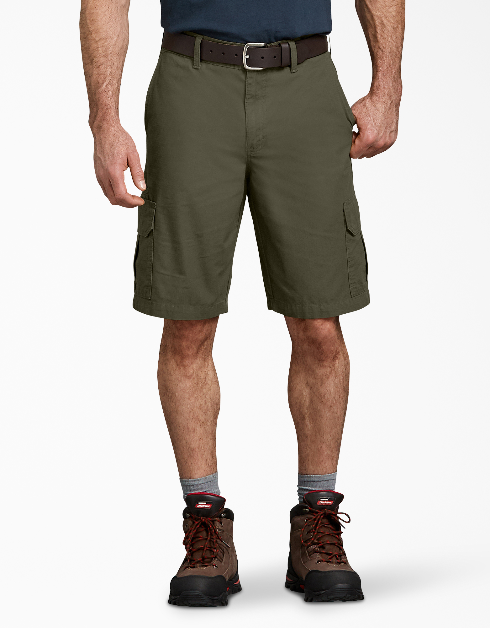 "11"" Relaxed Fit Lightweight Ripstop Cargo Shorts - Moss Green (RMS)"